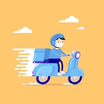 Доставщик еды едет на синем скутере курьера в респираторной маске