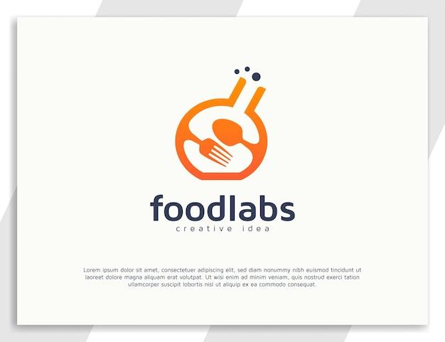 숟가락과 포크가 있는 식품 실험실 로고 디자인