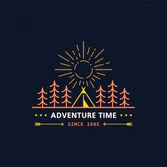 Значок лесного лагеря. линия иллюстрации. треккинг, кемпинг эмблема.