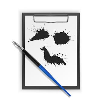 Перьевая ручка, перьевая ручка на черном буфере обмена и пятна краски черными чернилами.