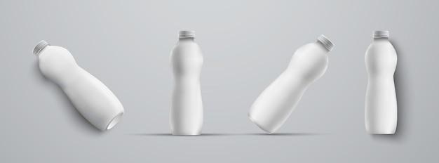 배경에 고립 된 다른 각도 화이트 색상 템플릿에서 4 개의 모형 플라스틱 흰색 병