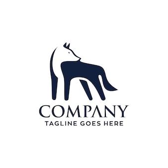 Дизайн логотипа fox business