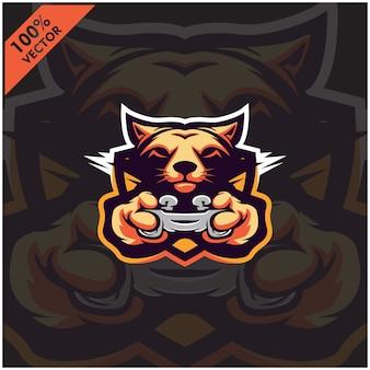 Фокс геймер держит игровую приставку джойстик. дизайн логотипа талисмана для команды киберспорта.