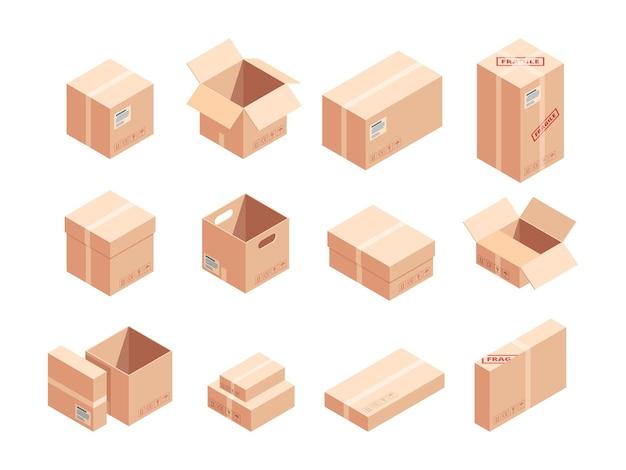 Набор изометрических 3d-иллюстраций хрупких посылок. картонные коробки разные. доставка картонные упаковки изолированные клипарты.