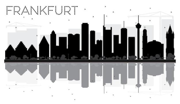 Город франкфурт на фоне линии горизонта черно-белый силуэт с отражениями. векторная иллюстрация. городской пейзаж с достопримечательностями