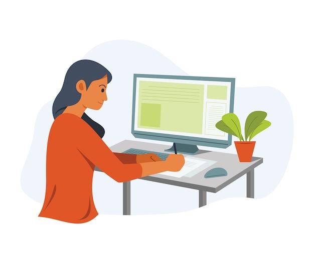 Внештатная женщина работает онлайн с настольным компьютером.