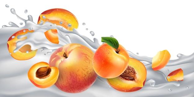 Свежие абрикосы и персики на волне молока или йогурта.