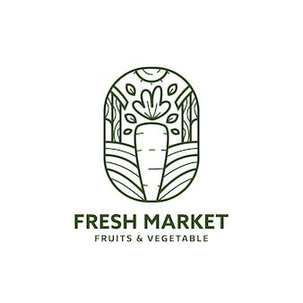 당근과 농장 삽화가 있는 모노라인 스타일의 신선한 시장 로고 배지