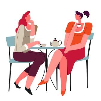 카페에 앉아 이야기를 하고 뜨거운 차나 커피 음료를 마시는 친구들. 함께 시간을 보내는 여성 캐릭터. 동료나 자매의 모임이나 모임 대화. 평면 스타일의 벡터