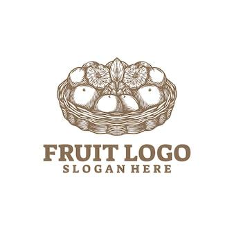 白で隔離されるフルーツ ロゴ