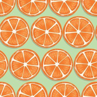 밝은 녹색 배경에 그림자와 과일 완벽 한 패턴, 오렌지 조각. 이국적인 열대 과일.