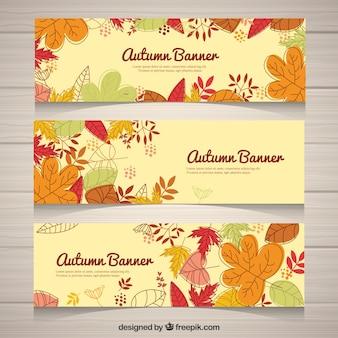 Divertente serie di banner disegnati a mano per l'autunno