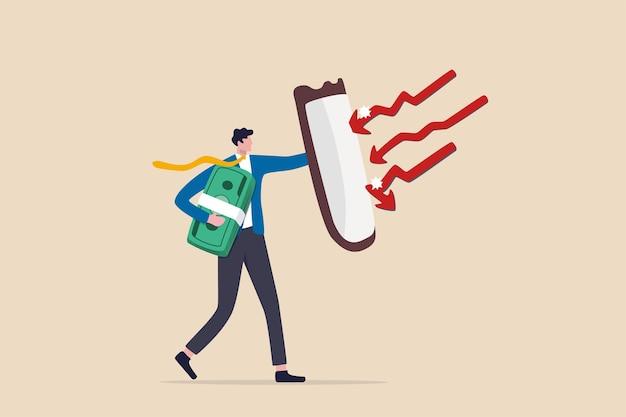 미래의 자산 관리, 인플레이션 보호 또는 주식 시장 붕괴로부터 보호, 시장 침체 개념의 투자 주식, 빨간색 화살표 활로부터 보호하기 위해 방패를 들고 있는 사업가 투자자.