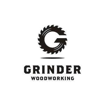 木工または大工仕事のロゴデザインの初期gグラインダー
