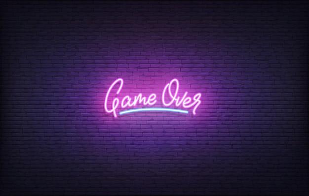 Game over неоновая вывеска. светящиеся неоновые надписи геймерского шаблона.