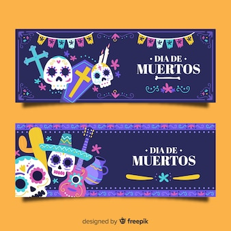 Garland and skulls in night día de muertos banners