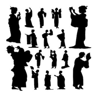 Geisha silhouettes.