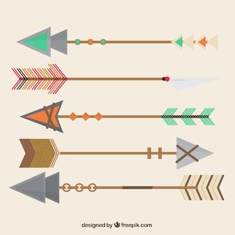 Frecce antichi geometriche con stili diversi