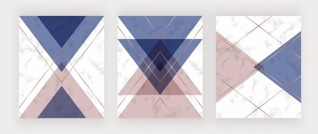 Геометрический дизайн с розовыми, синими и золотыми треугольниками на мраморной текстуре.