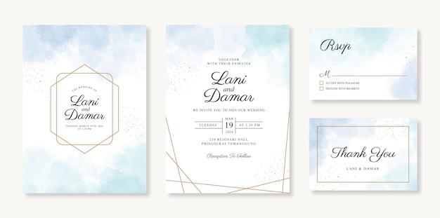 Шаблон геометрического золотого свадебного приглашения с акварельным фоном и блеском
