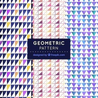 水彩三角形の幾何学的パターン