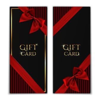 Подарочная карта. черные шаблоны подарочных сертификатов с красной лентой и бантом. иллюстрация.