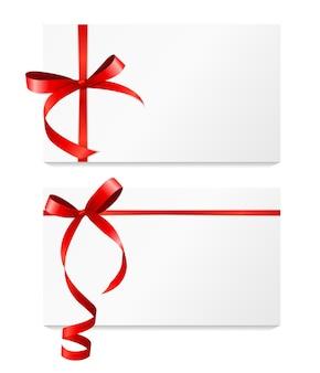 赤いリボンと弓のセットが付いたギフトカード。ベクターイラストeps10