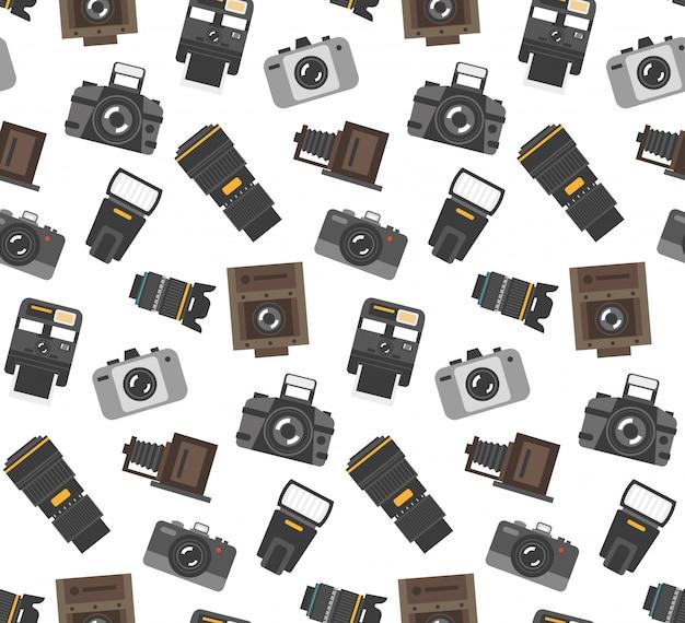 モダンとレトロカメラで写真をラップする紙のシームレスなパターンのギフトとギア