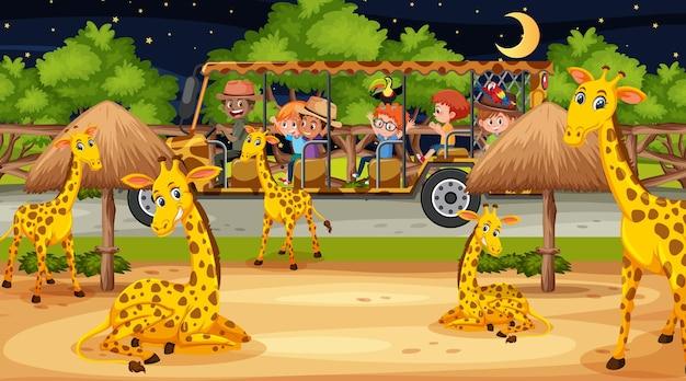 Группа жирафов в сцене сафари с детьми в туристической машине