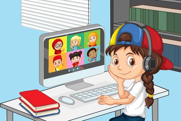 Una ragazza comunica la videoconferenza con gli amici nella scena domestica