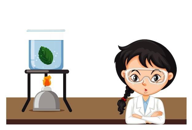 Девушка делает эксперимент на зеленом листе