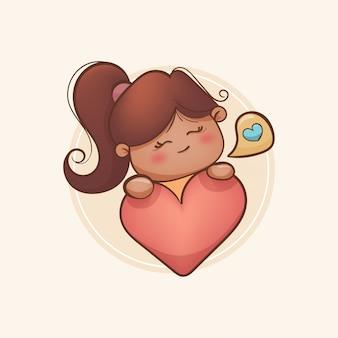 Девушка держит сердце