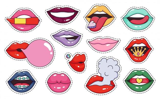 여자 입술 패치 스티커. 패션 멋진 메이크업 입술 패치, 귀여운 여자 메이크업 아이콘, 화려한 관능적이고 도발적인 그림 아이콘을 설정합니다. 키스 사랑 배지, 귀여운 낭만적 인 표현