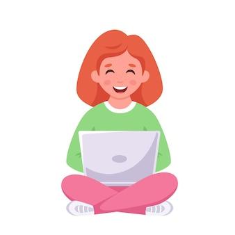 Девушка сидит с ноутбуком онлайн обучения обратно в школу