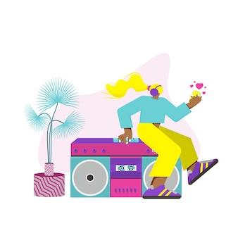 ヘッドフォンを持った少女はテープレコーダーに座って、彼女の手で電話を持っています。ベクトルフラットイラスト。