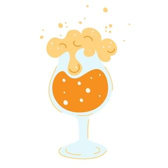 ビールのグラス。新鮮な黄色の生ビールと白い泡、そして泡。オクトーバーフェストのコンセプト。