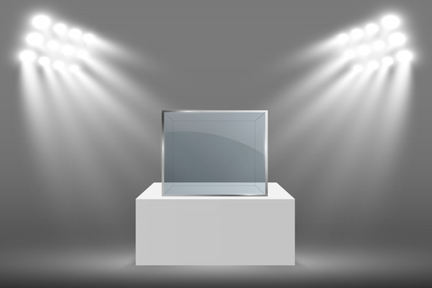 Стеклянная витрина для выставки в форме куба. музей стеклянный ящик изолирован