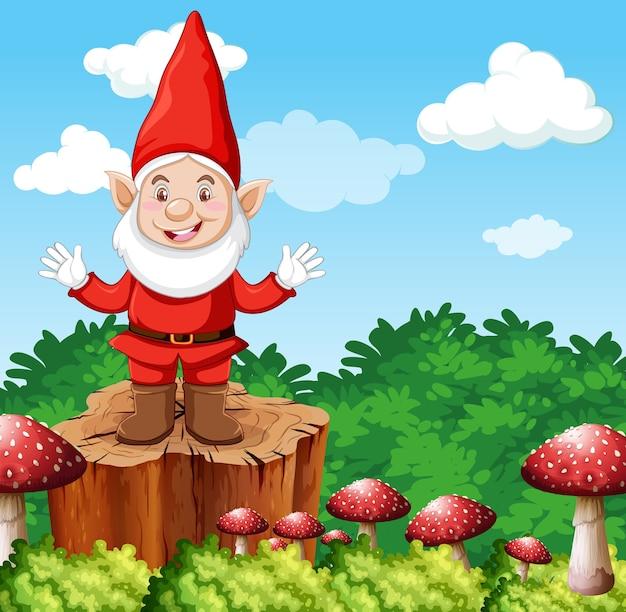Гном, стоящий на пне с грибами на фоне сада