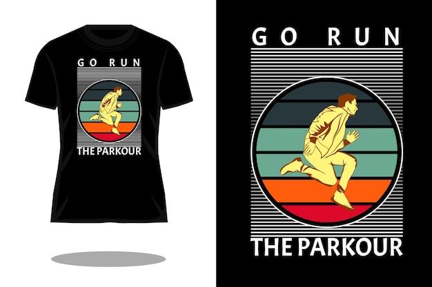 公園を走りに行く私たちのシルエットのレトロなtシャツのデザイン