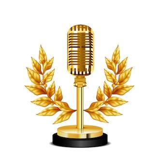 Золотая винтажная награда настольного микрофона украшена венком на белом фоне реалистичной иллюстрации