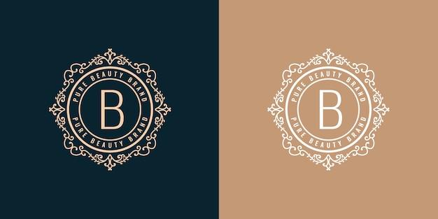 黄金の書道のフェミニンな花の手描きモノグラムビンテージスタイルの高級ロゴデザイン