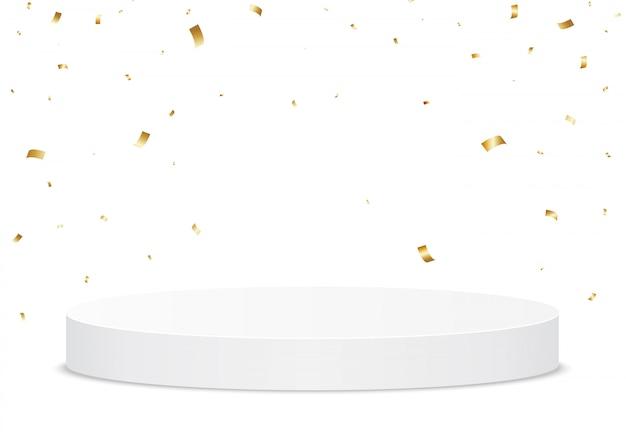 Золотой конфетти, падающие на белый подиум. праздничный стенд или трофейная площадка для победителя.