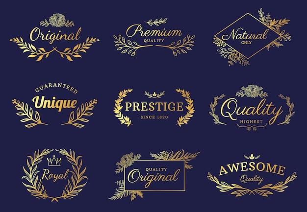 金色の飾りラベル。豪華な花のバッジと葉、花、王冠のロゴ。ヴィンテージゴールドロイヤルプレミアムは、要素ベクトルセットを繁栄させます。プレステージ、ユニーク、プレミアム品質のテキスト