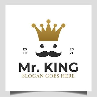고급 왕관 로고가 있는 황금색 단순한 그리스 노인 수염 왕