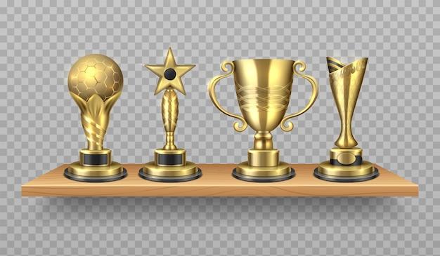 황금 트로피. 스포츠 승리 기호가 있는 현실적인 책장. 빛나는 컵이 있는 도서관 나무 선반