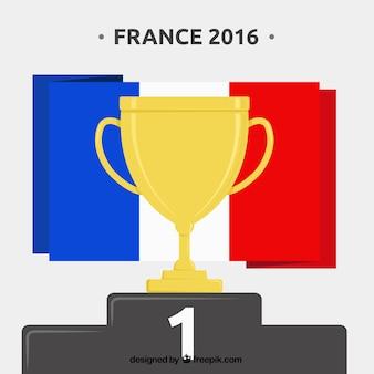 Золотой трофей с флаг франции фоне евро 2016 года