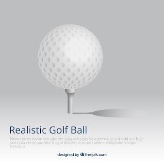 現実的なスタイルのティーでゴルフボール