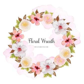 Splendida ghirlanda floreale pastello colorata con macchia di acquerello