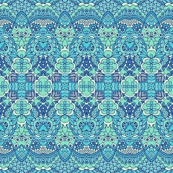 파란색과 흰색 동양 타일, 장식품에서 화려한 원활한 겨울 장식 패턴입니다.