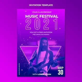 グラデーションのカラフルな音楽祭の招待状